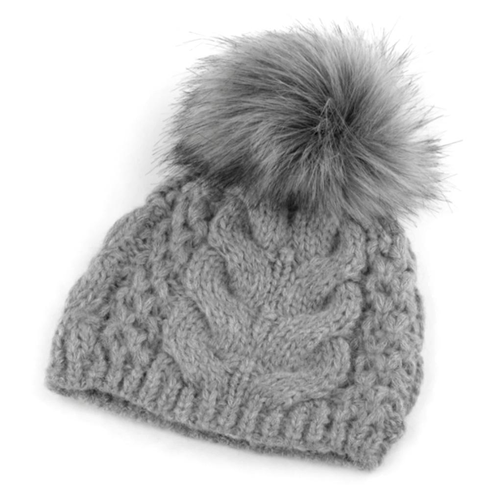 820c9e572 Zimná pletená čiapka s brmbolcom - šedá | Čiapky | Svetový Tovar