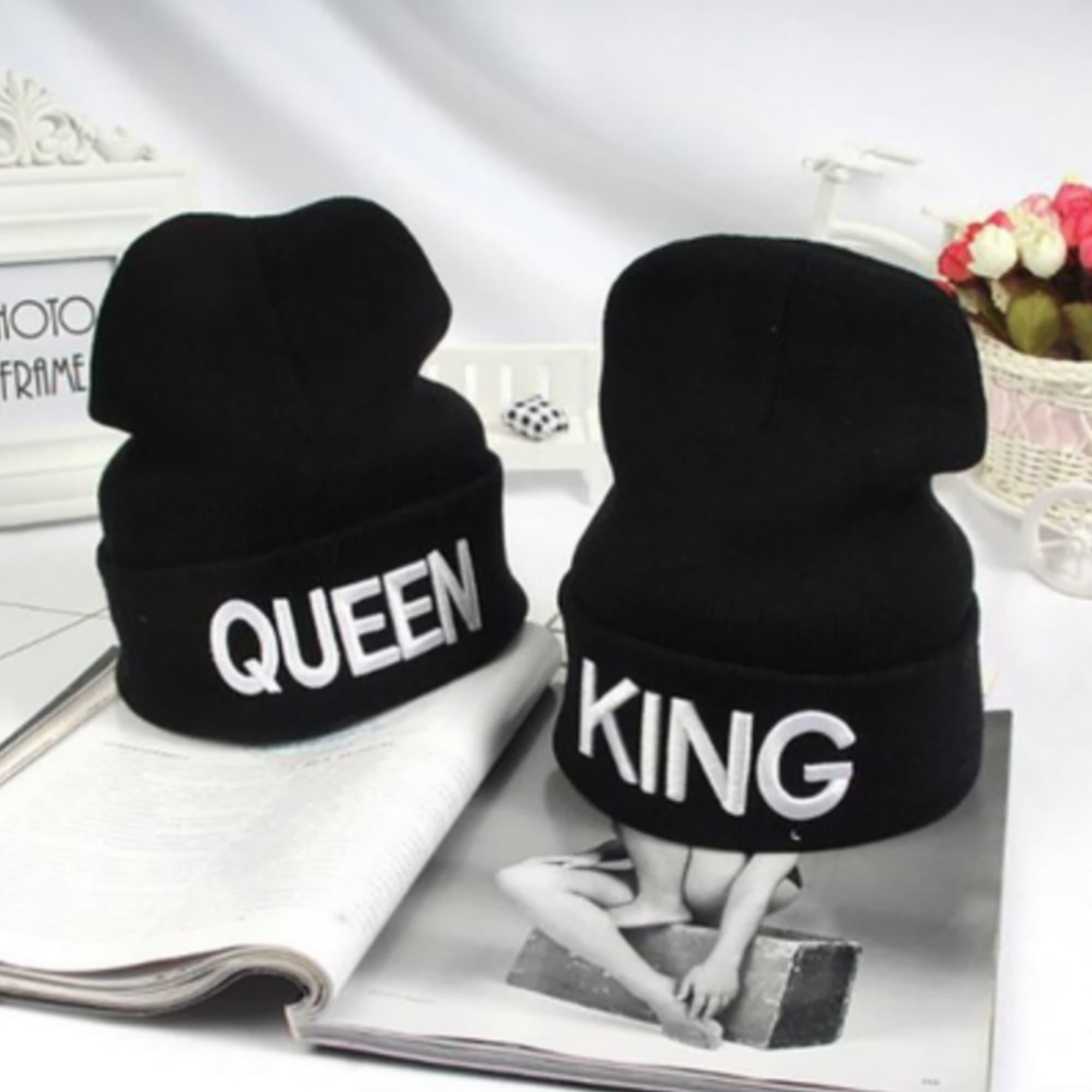 d229e257d Dámska móda a doplnky - Zimná čiapka pre páry s nápisom KING alebo QUEEN