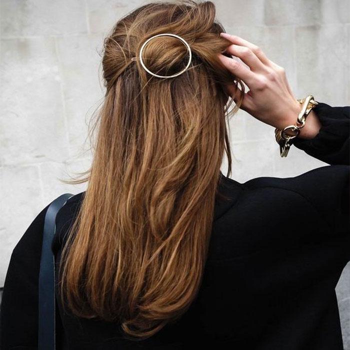 ... Predlžovanie vlasov a účesy - Kovová spona do vlasov - Orbit - zlatá ... 167895736d