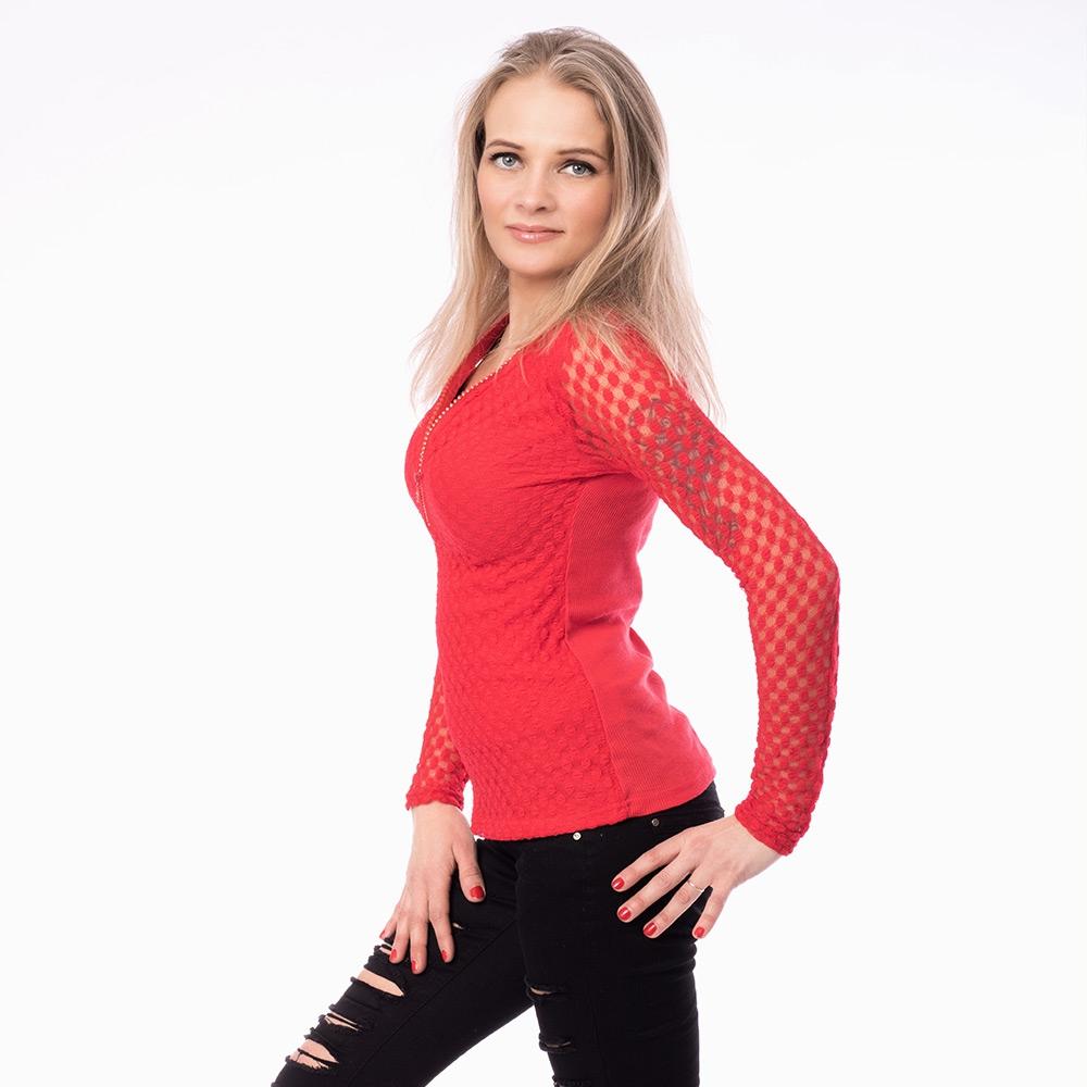 5bd09711ecda ... Dámska móda a doplnky - Dámska čipkovaná blúzka so zipsom - červená