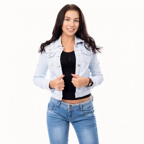 Dámska svetlo modrá jeans bunda s čipkou