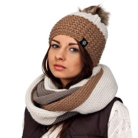 Zimná pletená čiapka s brmbolcom - béžová mix