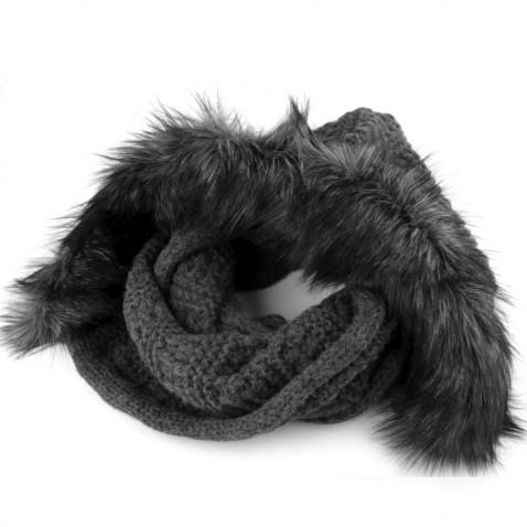 Pletený nákrčník s kapucňou a kožušinou - šedý