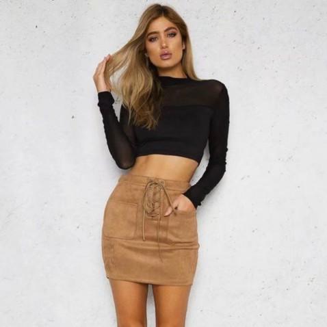 Štýlová sukňa s vysokým pásom