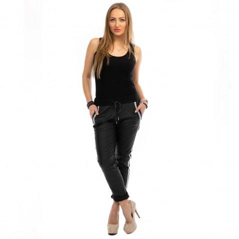 Nohavice imitácia metalické kože s lampasmi - čierne