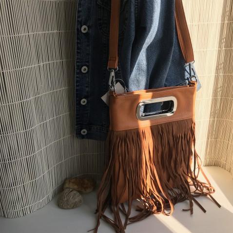 Módna crossbody kabelka so strapcami - FOX