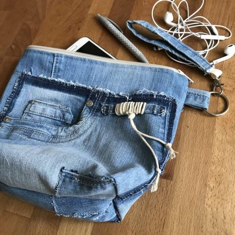 Kozmetická taška džínsová s pútkom