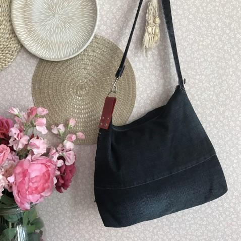 Džínsová kabelka s červenou kožou