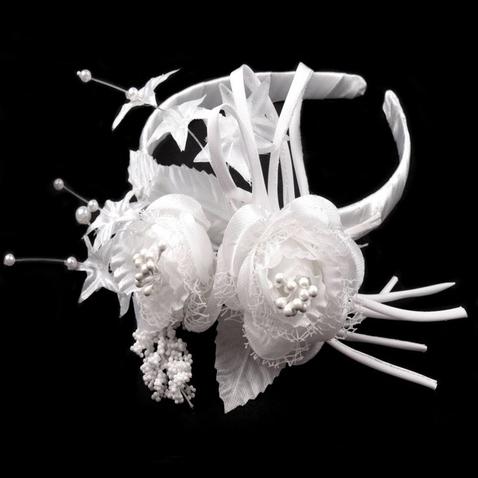 Svadobná čelenka s kvetinami